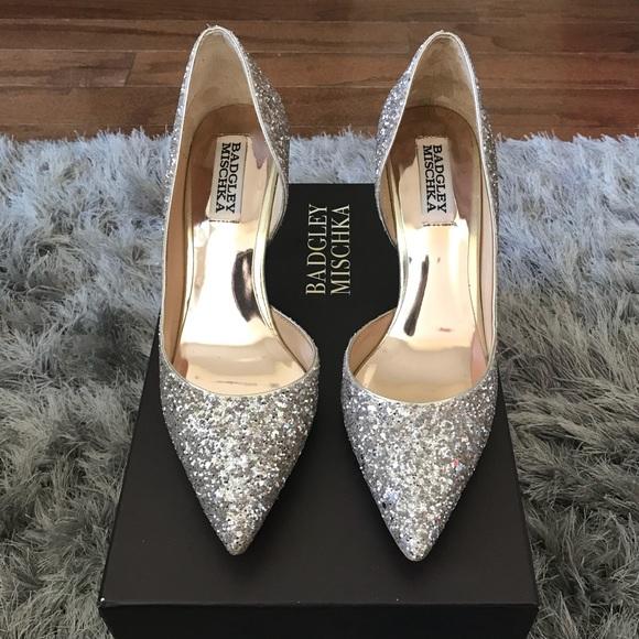 71a568939fbe Badgley Mischka Shoes - Badgley Mischka Daisy Pump Size 6
